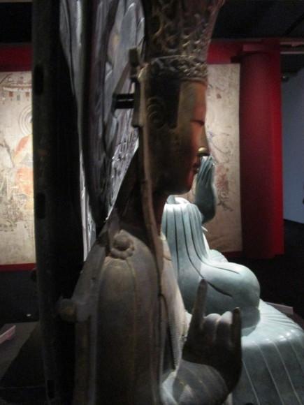 釈迦三尊像のレプリカ02